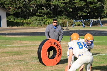 Siuslaw football coach Jamin Pool